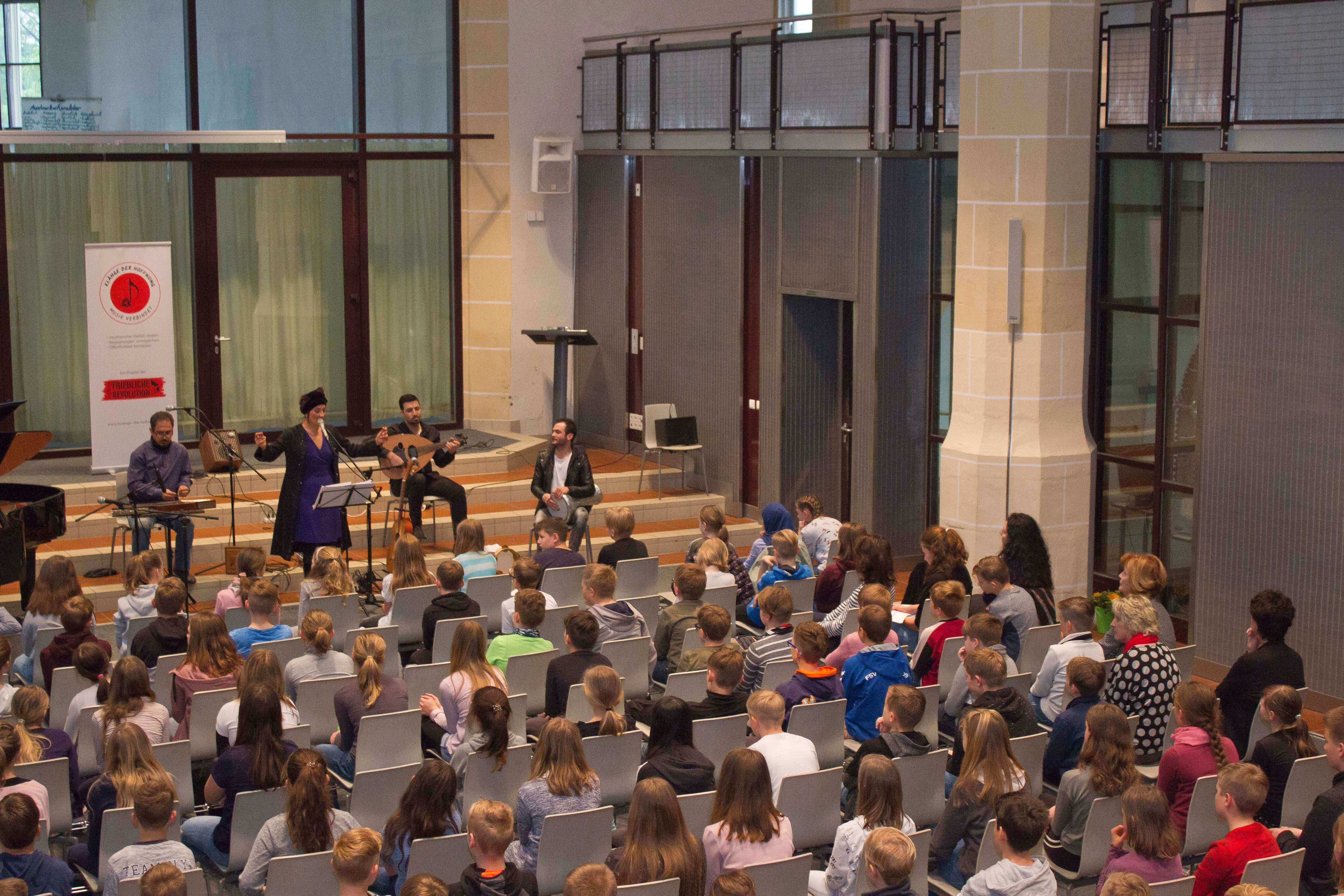 """Schulkonzert mit dem Ensemble """"Klänge der Hoffnung"""" @ Info über WANN und Wo - folgt"""
